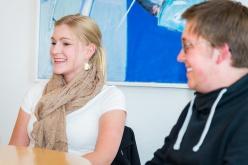 Larissa Arnken erzählt vom Thema ihrer Abschlussarbeit.