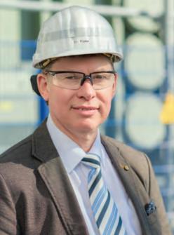 DR. HANS-PETER FLICKE leitet seit August das Erdgaskraftwerk in Lingen. Foto: Helmut Kramer.