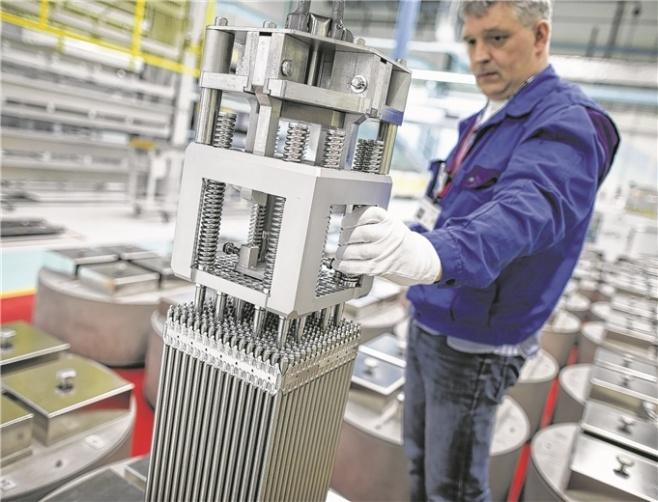 Brennelemente für Kernkraftwerke stellt Advanced Nuclear Fuels (ANF) in Lingen her. Foto: David Ebener