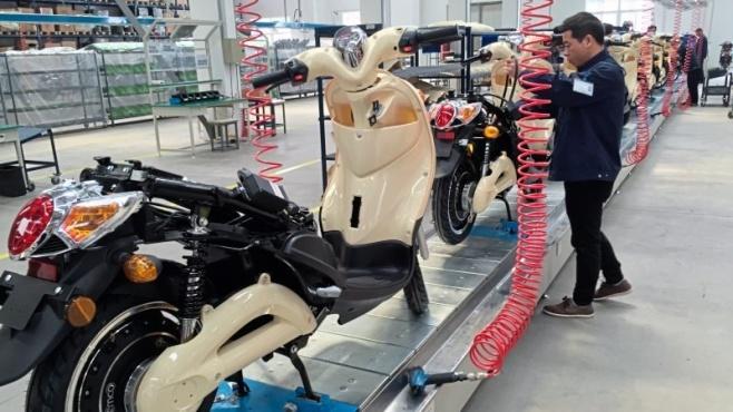 Rollerproduktion im Werk des Lingener Unternehmens Emco in Chuzhou, China. Foto: Wilfried Hinrichs